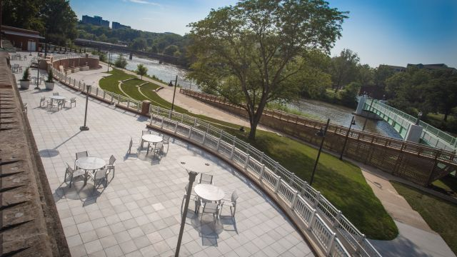 Imu north river terrace weddings at iowa the for 10 river terrace
